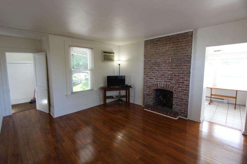 SHADYSIDE 3 BEDROOM APARTMENT FOR RENT
