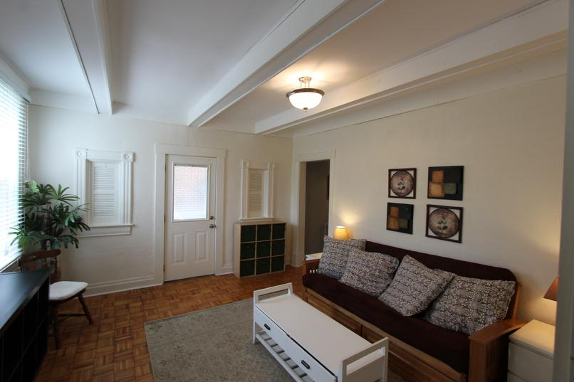 LUXURY FURNISHED 1 BEDROOM APARTMENT NEAR CASINO AND NORTH SHORE PITTSBURGH PA