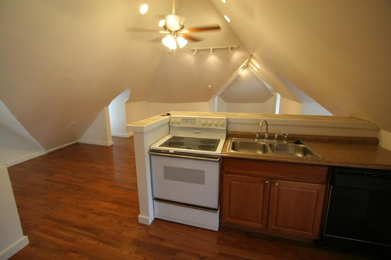 STUDIO APARTMENT FOR RENT NEAR CMU SHADYSIDE PA