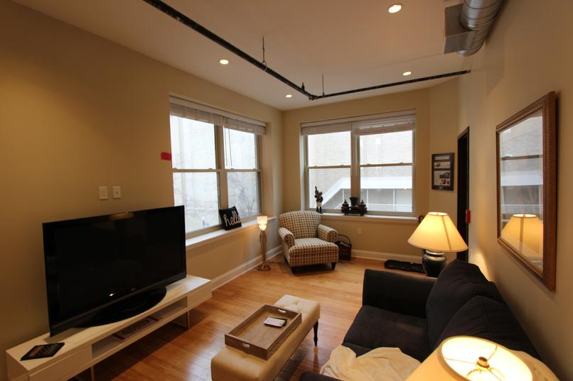 LUXURY FURNISHED 2 BEDROOM APARTMENT IN DOWNTOWN PITTSBURGH