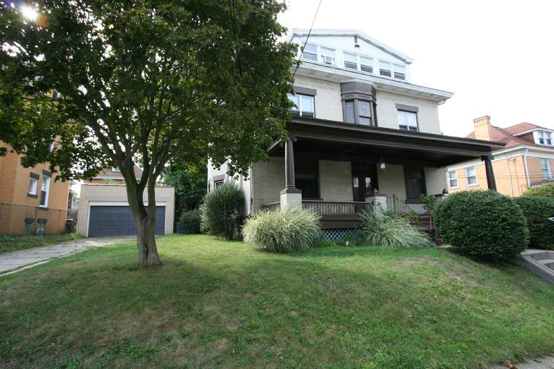 BRIGHTON HEIGHTS 2 BEDROOM APARTMENT IN TURN OF THE CENTURY MANISON HOUSE FOR RENT PITTSBURGH PA
